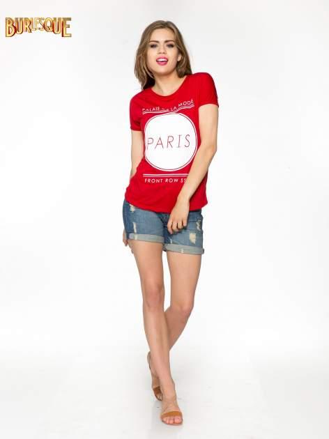 Czerwony t-shirt z nadrukiem PARIS                                  zdj.                                  2