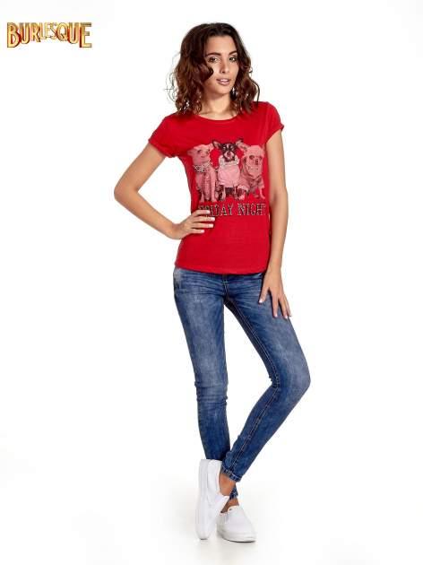 Czerwony t-shirt z nadrukiem szczeniąt                                  zdj.                                  8