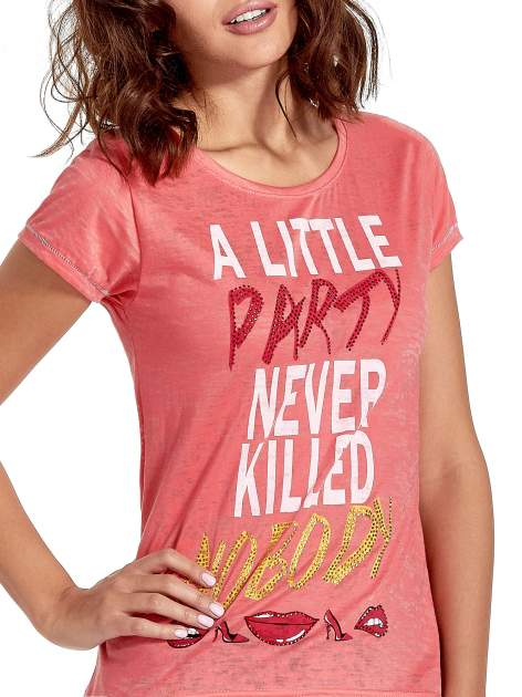 Czerwony t-shirt z napisem A LITTLE PARTY NEVER KILLED NOBODY                                  zdj.                                  5
