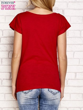 Czerwony t-shirt z napisem OUTSIDER                                  zdj.                                  2