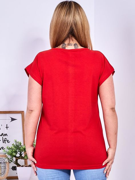 Czerwony t-shirt z napisem i motywem roślinnym PLUS SIZE                              zdj.                              2