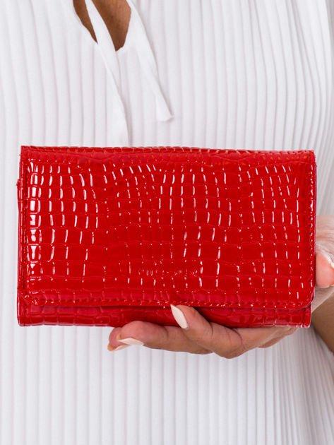 Czerwony tłoczony portfel z ekoskóry