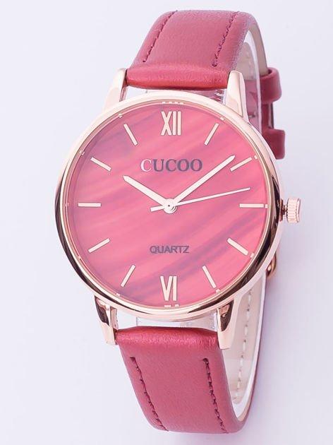 Czerwony zegarek damski z motywem marmuru