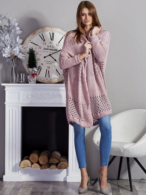 Długi ażurowany sweter pudroworóżowy                              zdj.                              4