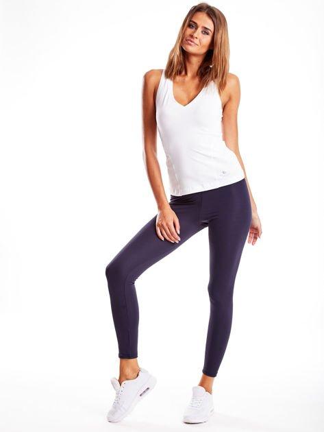Długie grafitowe legginsy fitness o średniej grubości                                zdj.                              4