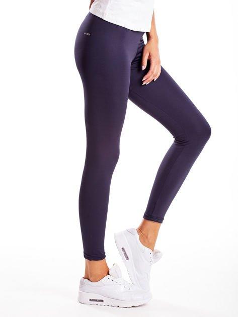 Długie grafitowe legginsy fitness o średniej grubości                                zdj.                              5