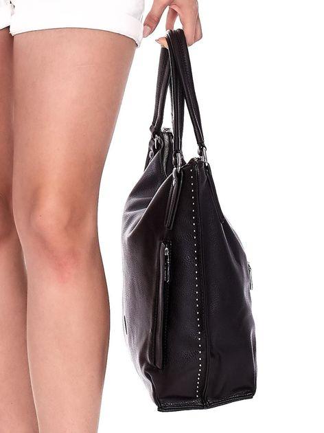 Duża czarna torba z eko skóry z ozdobnymi ćwiekami                              zdj.                              5
