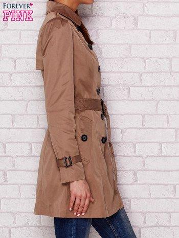 Dwurzędowy płaszcz z paskiem i kieszeniami ciemnobeżowy                              zdj.                              3