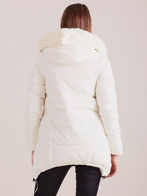 Ecru asymetryczna kurtka zimowa                              zdj.                              2