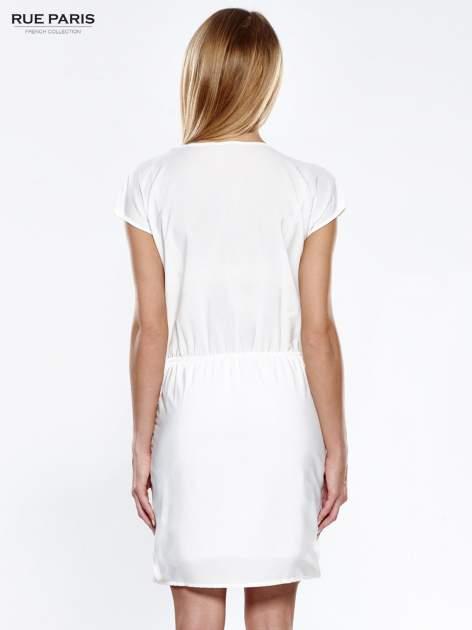 Ecru ażurowa sukienka z podkreśloną talią                                  zdj.                                  4