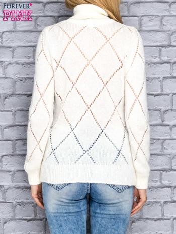 Ecru ażurowy sweter z golfem                                  zdj.                                  4