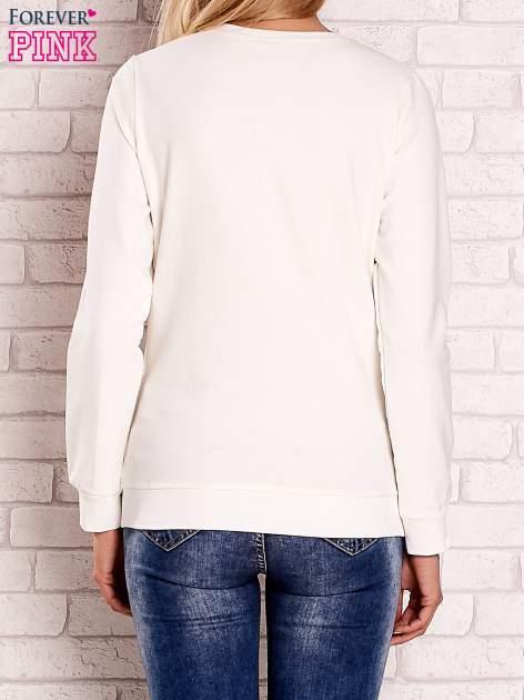Ecru bluza z kolorowym nadrukiem                                  zdj.                                  2