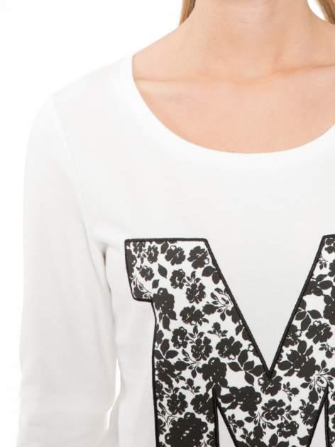 Ecru bluza z kwiatowym nadrukiem litery M                                  zdj.                                  5