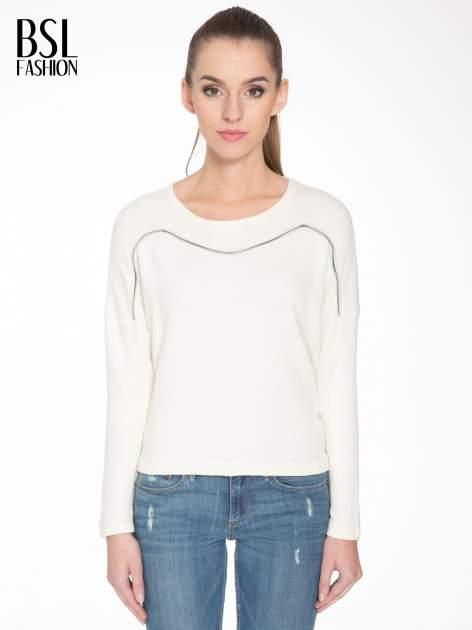 Ecru bluza z ozdobnym suwakiem                                  zdj.                                  1