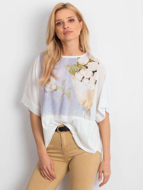 Ecru bluzka oversize z kwiatowym nadrukiem                              zdj.                              1