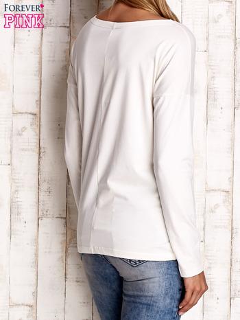 Ecru bluzka z aplikacją w kształcie sowy                              zdj.                              4