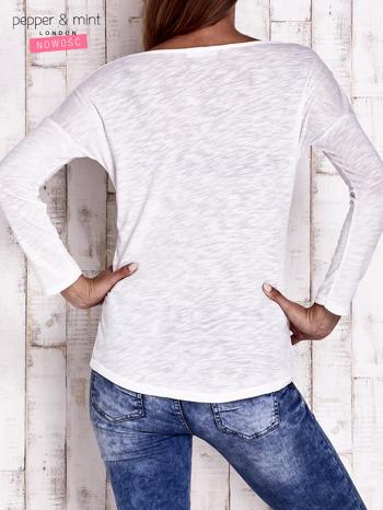 Ecru bluzka z cekinowym okiem                                  zdj.                                  2