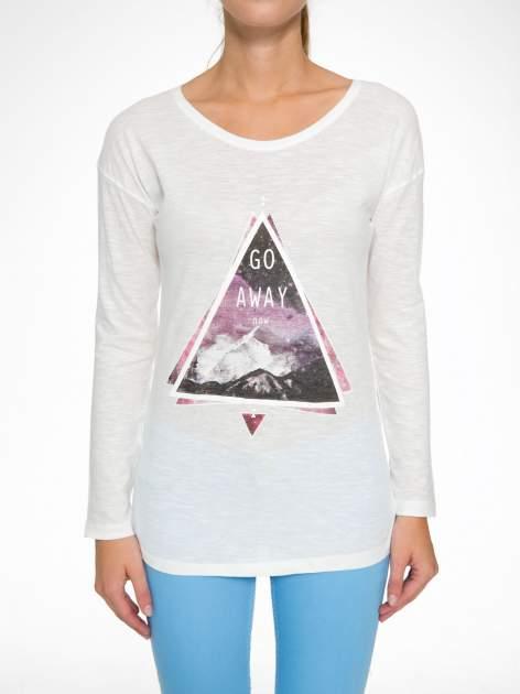 Ecru bluzka z nadrukiem trójkąta i napisem GO AWAY NOW                                  zdj.                                  8