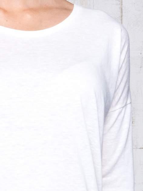 Ecru bluzka z surowym wykończeniem                                  zdj.                                  6