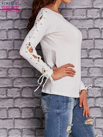 Ecru bluzka z wiązaniem na rękawach                                  zdj.                                  2