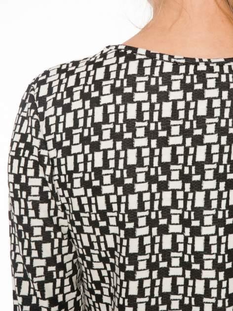 Ecru-czarna bluzka w geometryczne wzory z suwakami                                  zdj.                                  8