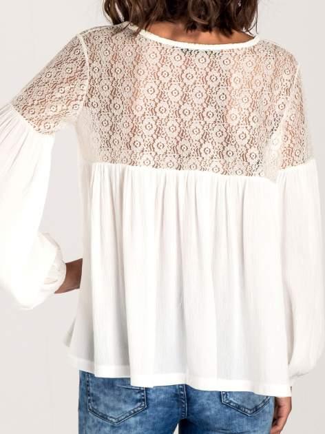 Ecru koszula z koronkową górą w stylu boho                                  zdj.                                  6