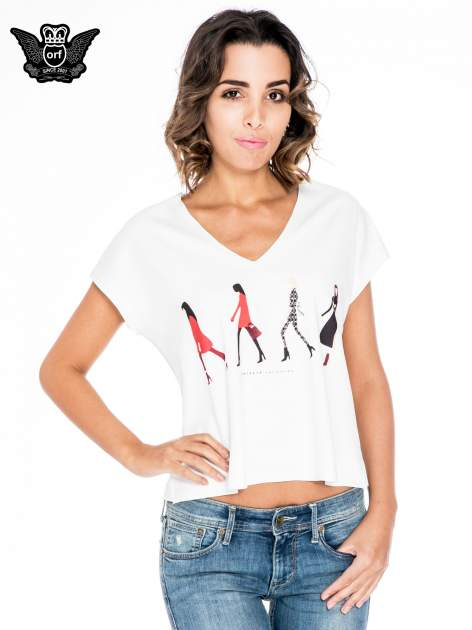 Ecru krótki t-shirt z nadrukiem sylwetek kobiet                                  zdj.                                  1