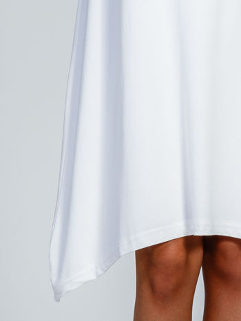 Ecru luźna sukienka z asymetrycznym dołem                                  zdj.                                  7