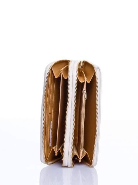 Ecru matowy portfel z rączką                                  zdj.                                  3