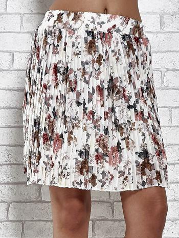 Ecru plisowana spódnica w kwiaty                                  zdj.                                  1
