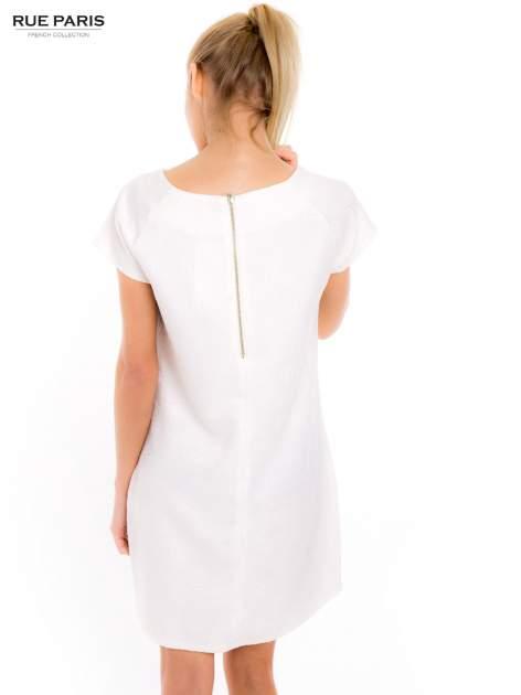 Ecru prosta sukienka tłoczona w róże z suwakiem z tyłu                                  zdj.                                  5