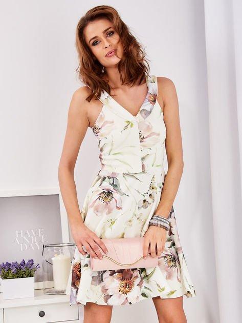 Ecru rozkloszowana sukienka w malarskie roślinne wzory                                  zdj.                                  3