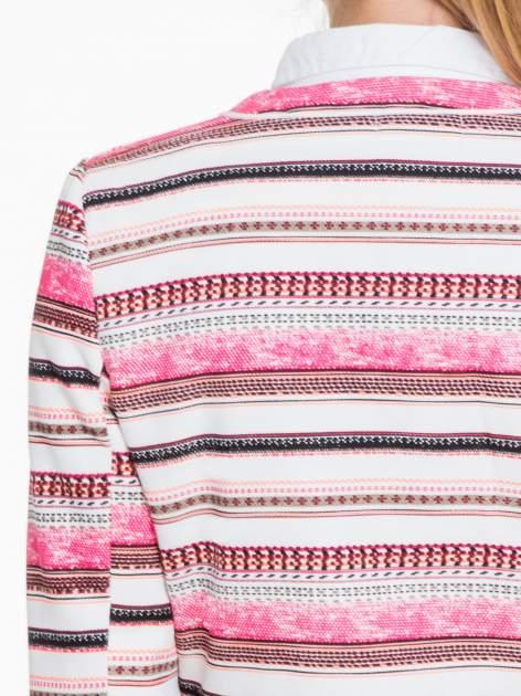 Ecru-różowy żakiet chanelka w paski zapinany na haczyk                                  zdj.                                  7