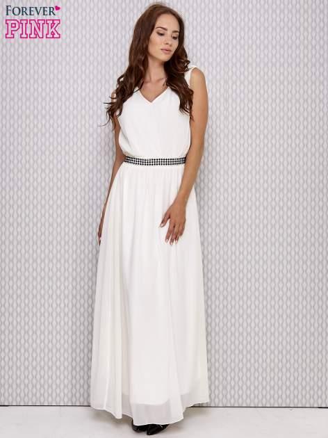 Ecru sukienka maxi z biżuteryjnym pasem                                  zdj.                                  2