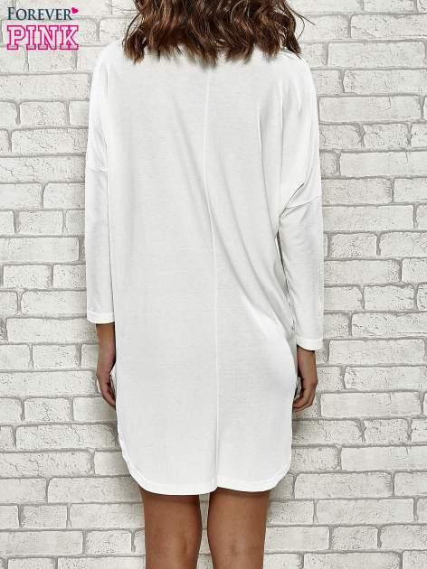 Ecru sukienka z rozporkami po bokach                                  zdj.                                  4