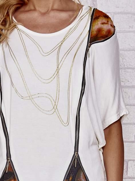 Ecru t-shirt oversize ze złotymi zipami                                  zdj.                                  5