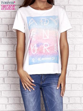 Ecru t-shirt z dżetami                                  zdj.                                  1