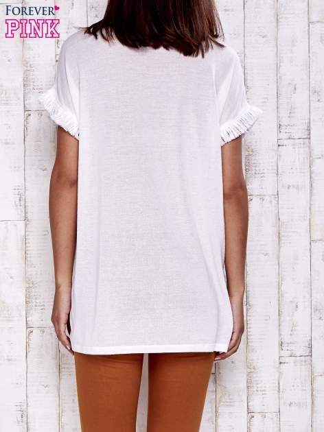 Ecru t-shirt z frędzelkami