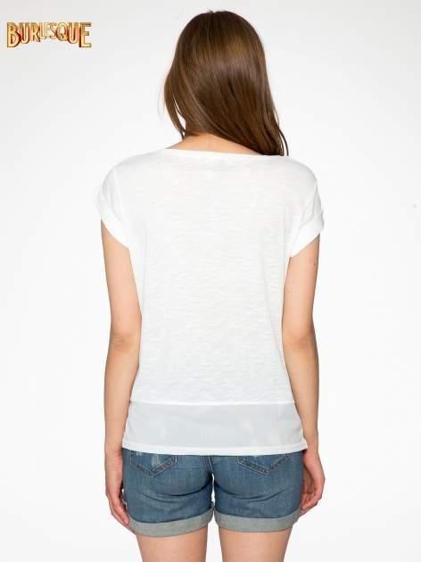 Ecru t-shirt z grafiką kota zdobioną dżetami                                  zdj.                                  4