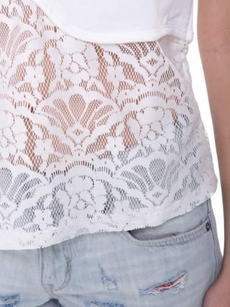 Ecru t-shirt z koronkowym dołem i zamkiem z tyłu                                  zdj.                                  8