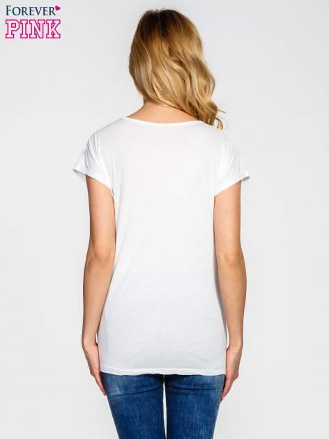 Ecru t-shirt z koronkowym wykończeniem                                  zdj.                                  4