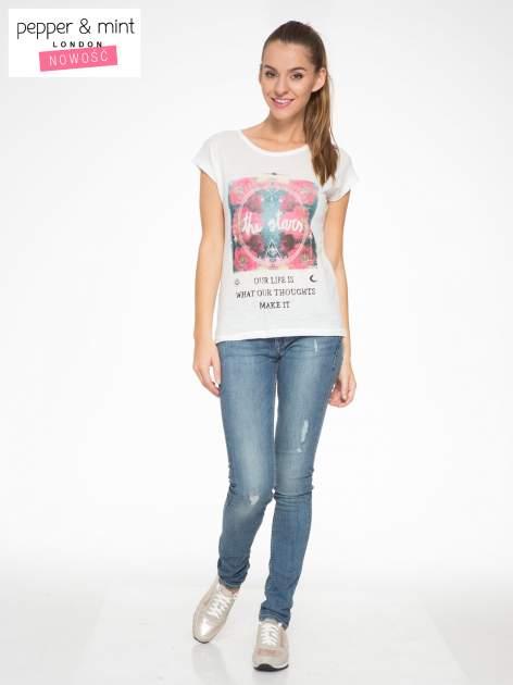 Ecru t-shirt z motywem astralnym                                  zdj.                                  5