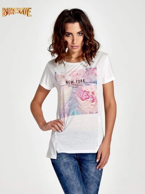 Ecru t-shirt z nadrukiem kwiatowym i napisem NEW YORK                                  zdj.                                  1