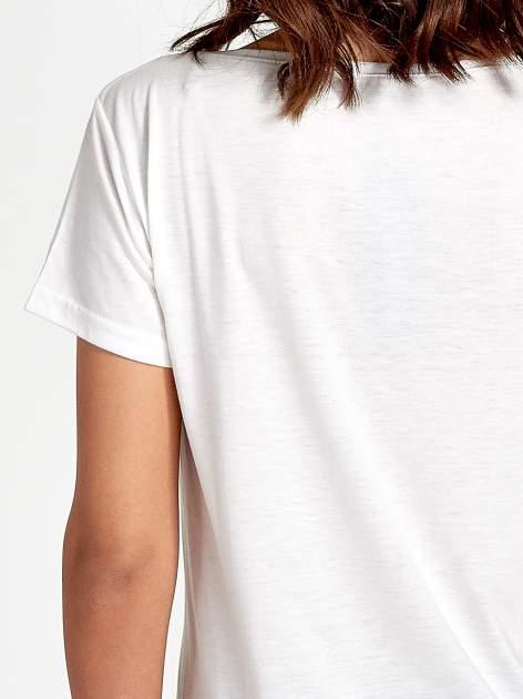 Ecru t-shirt z nadrukiem kwiatowym i napisem NEW YORK                                  zdj.                                  6