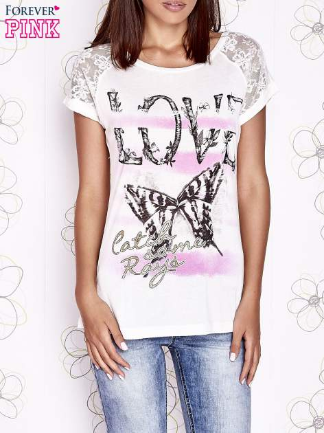 Ecru t-shirt z napisem LOVE i ażurowymi rękawkami                                  zdj.                                  1