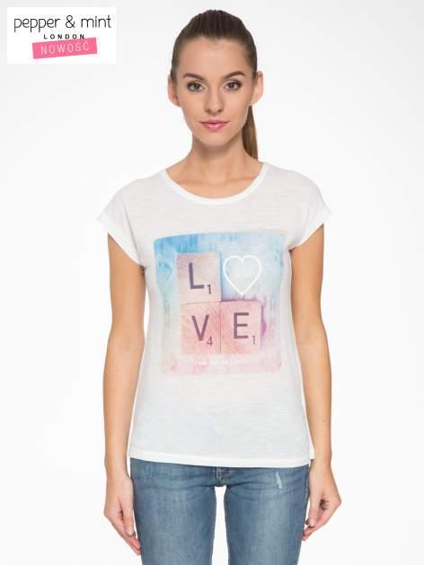 Ecru t-shirt z napisem LOVE z kostek Scrabble                                  zdj.                                  1