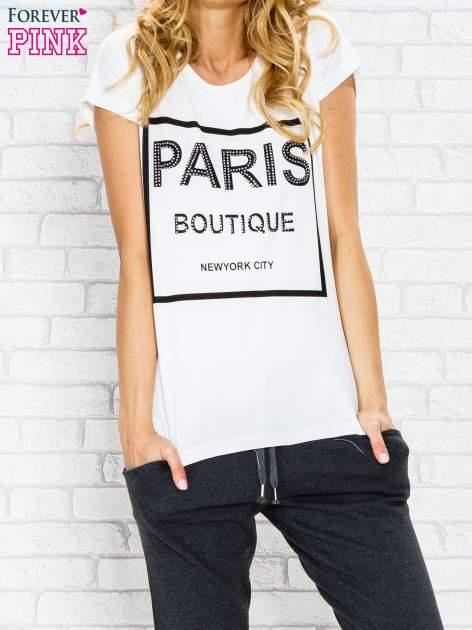 Ecru t-shirt z napisem PARIS BOUTIQUE z dżetami                                  zdj.                                  1
