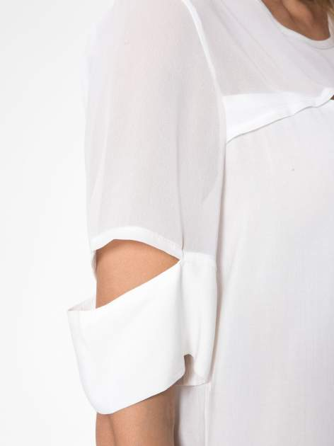 Ecru t-shirt z siateczką i rękawami typu cut out shoulder                                  zdj.                                  8
