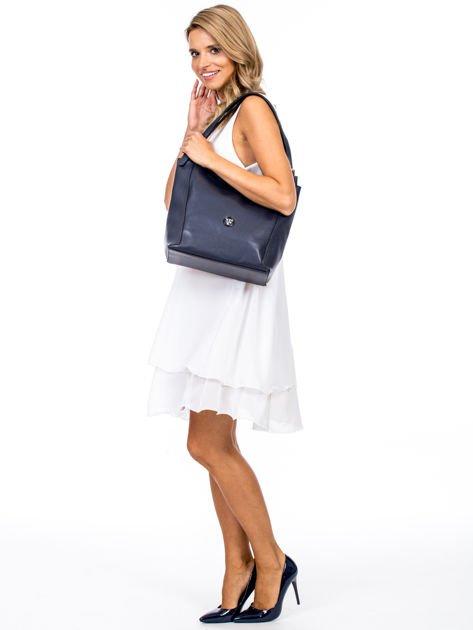 Elegancka granatowa torba z eko skóry z logo                              zdj.                              1