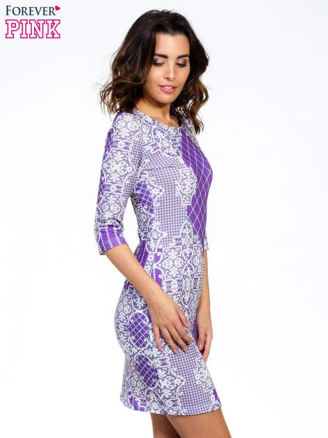 Fioletowa sukienka z koronkowym i kraciastym nadrukiem                                  zdj.                                  3